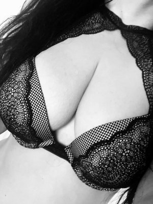 Nasrine erotic massage in Clifton NJ