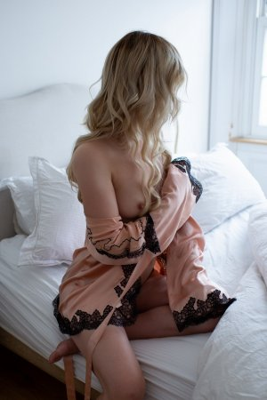 Jesabelle erotic massage in Danville
